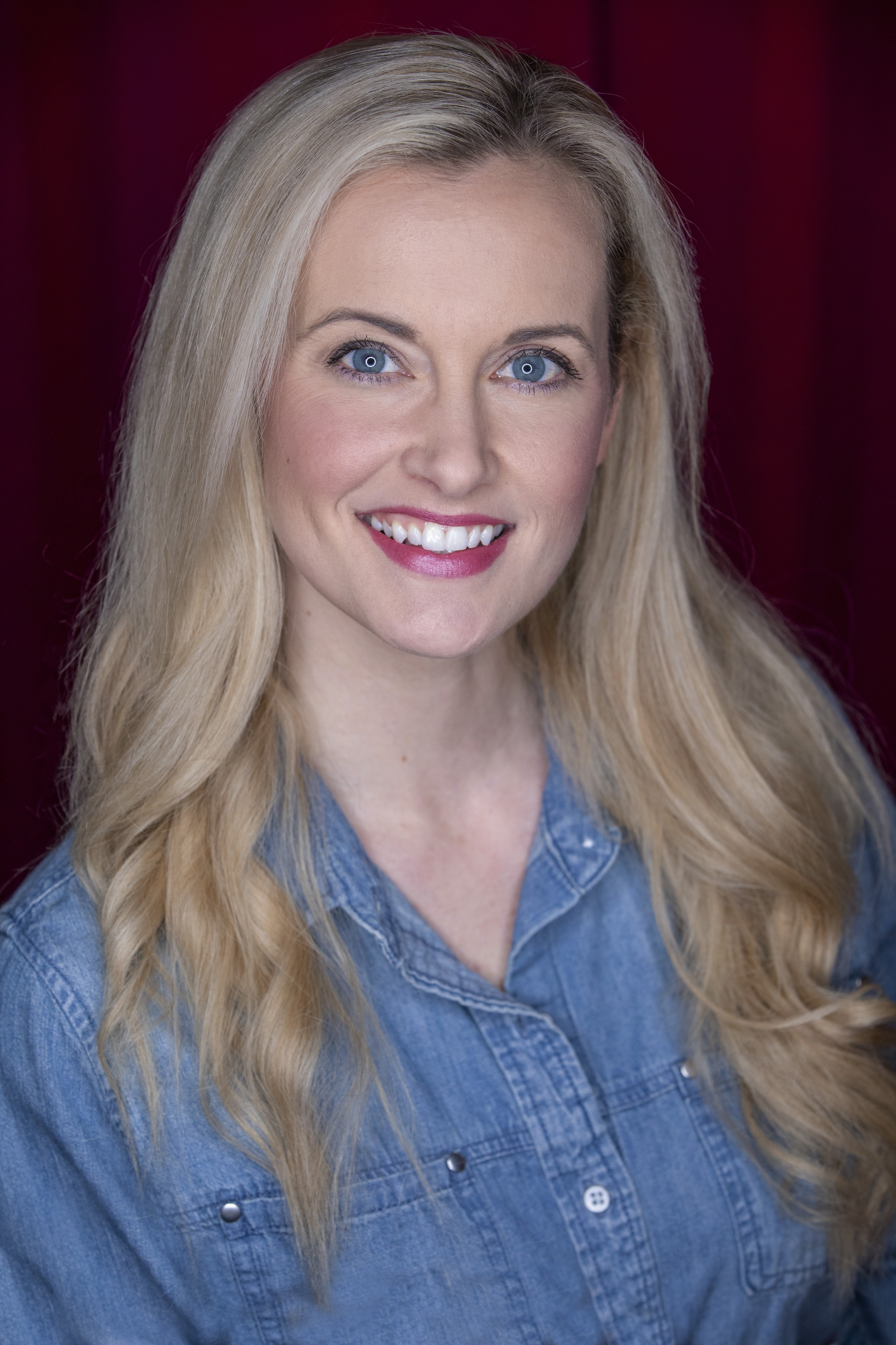 Lauren McCullough (host profile picture)