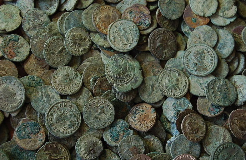 antique-coins-from-london-portabe-antiquities-schemeflickrcommons-wikimedia-org