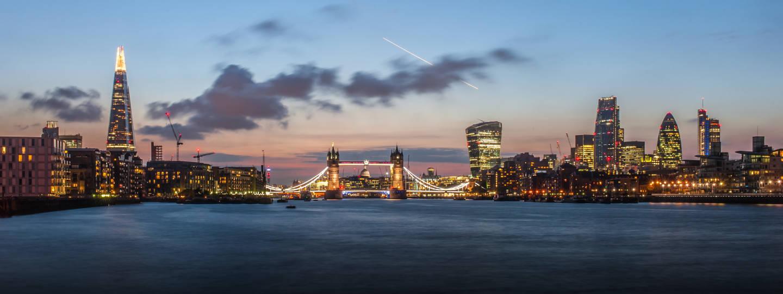 london skyline at dusck