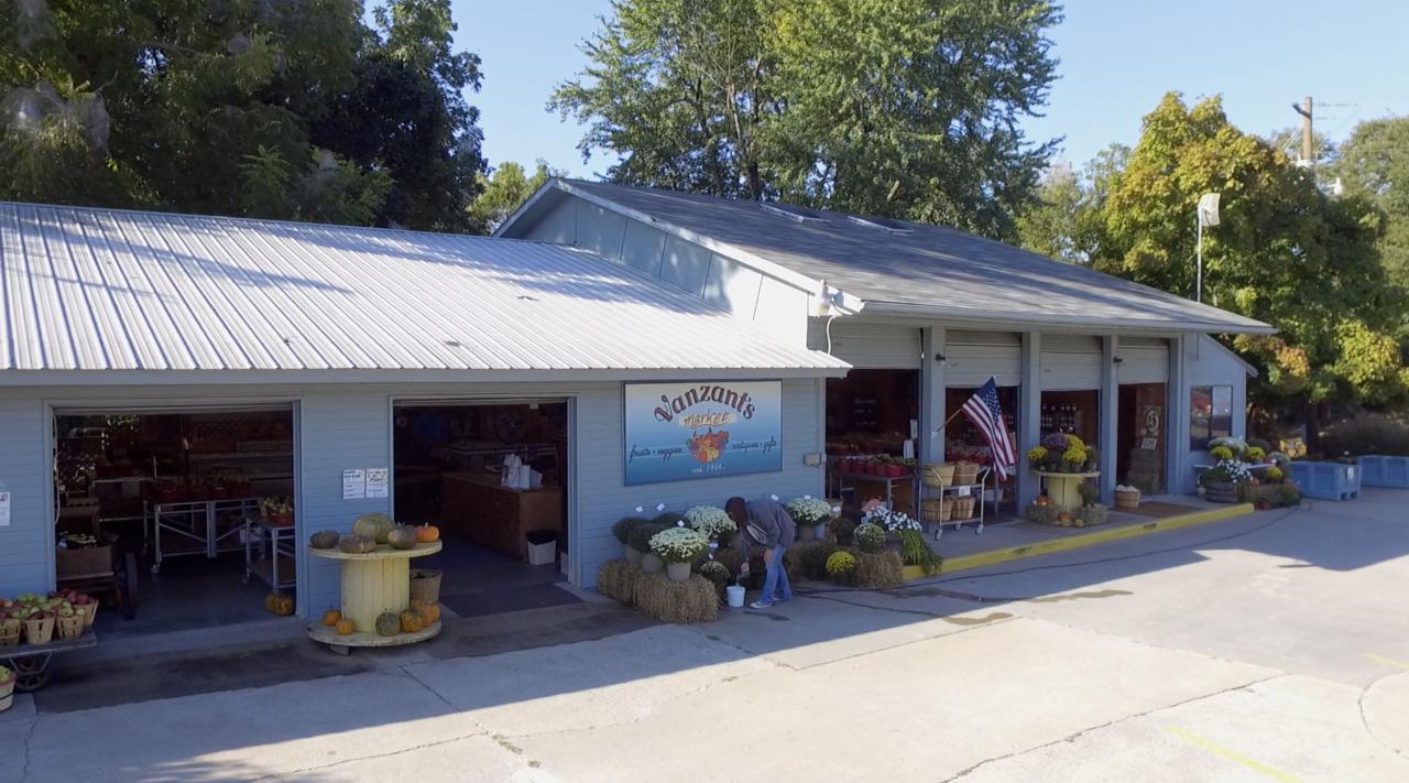 Vanzant Farms Market