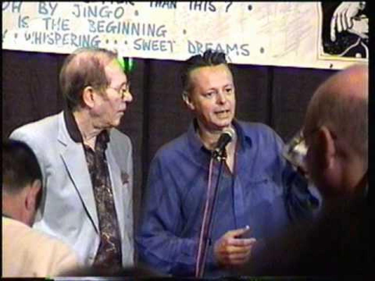 Tommy Emmanuel receiving CGP award from Chet Atkins